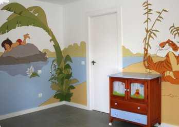 y para los bebs un mural de el pequeo efelante