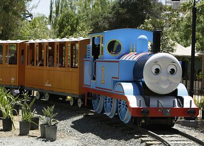 Thomas El Tren En Parque De Diversiones Six Flags Web Del Bebe