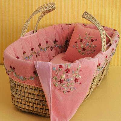 Mois s para beb s modelos encantadores para tu engre do - Decorar cestas de mimbre paso a paso ...
