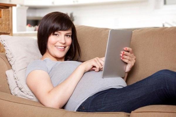 Te mostramos cinco aplicaciones para embarazadas que puedes descargar gratis en tu smartphone, tablet o iPhone.