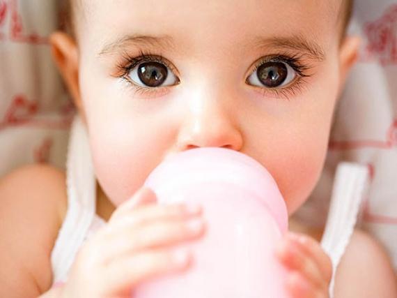 cuando-necesita-agua-el-bebe